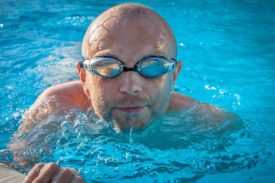 Plavání v čisté vodě