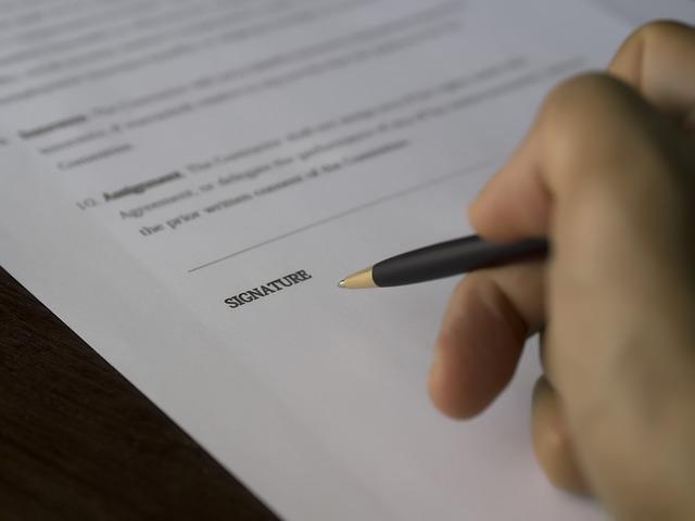 podpis smlouvy.jpg