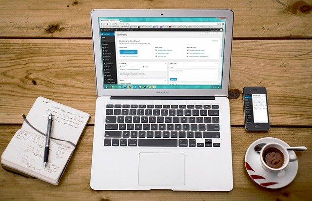 notebook s administrací webu